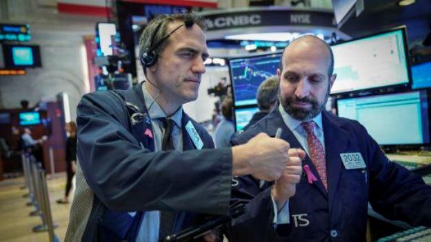 Dow Jones Bứt Phá Hơn 350 điểm Nhờ Thỏa Thuận Sơ Bộ Giúp Chính Phủ Mỹ Không đóng Cửa