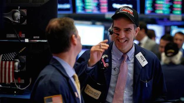 S&P 500 leo lên kỷ lục mới sau thông tin lạc quan về quan hệ thương mại Mỹ - Trung