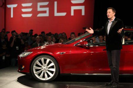 Trở Thành Triệu Phú Chỉ Nhờ Mua Và Nắm Giữ Cổ Phiếu Tesla